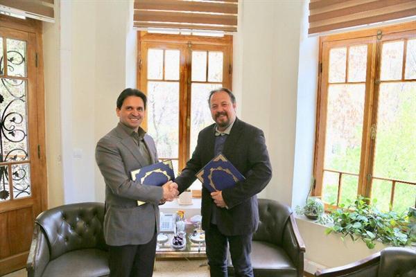 امضای تفاهم نامه همکاری بین سعدآباد و انجمن صنفی راهنمایان گردشگری