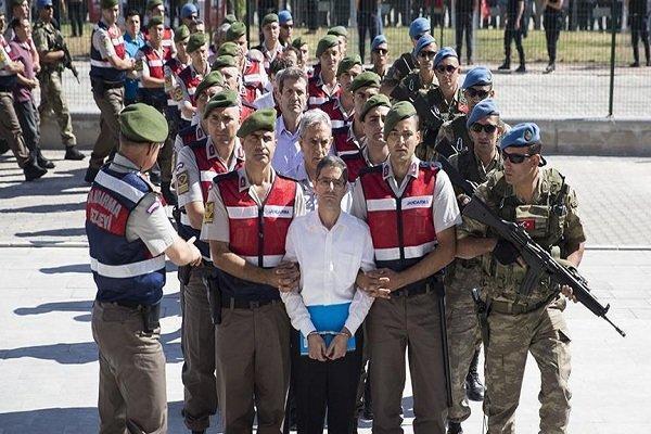 دستور بازداشت 168 نظامی و غیرنظامی دیگر در ترکیه صادر شد