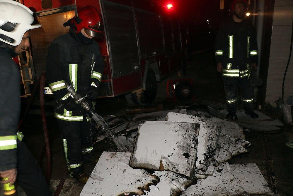آتش سوزی انبار دارو در جاده سیمان مشهد