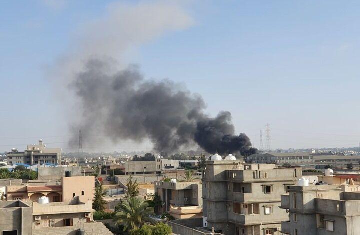 خبرنگاران حمله موشکی به فرودگاه طرابلس لیبی