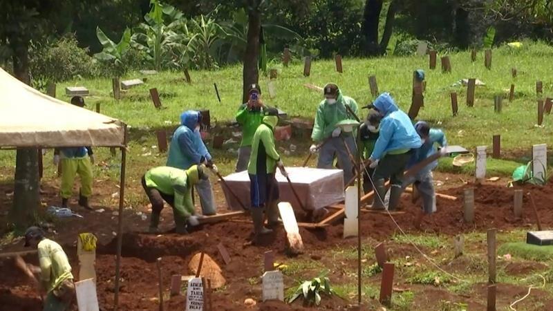 اندونزی بالاترین آمار قربانیان کرونا در جنوب شرق آسیا را داراست