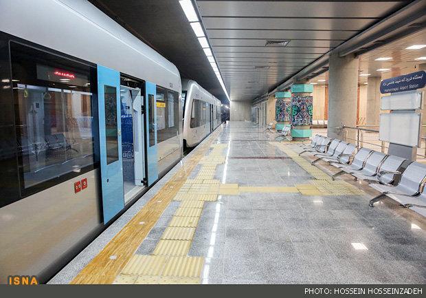 تمدید تعطیلی قطارشهری و اتوبوس مشهد تا 23 فروردین