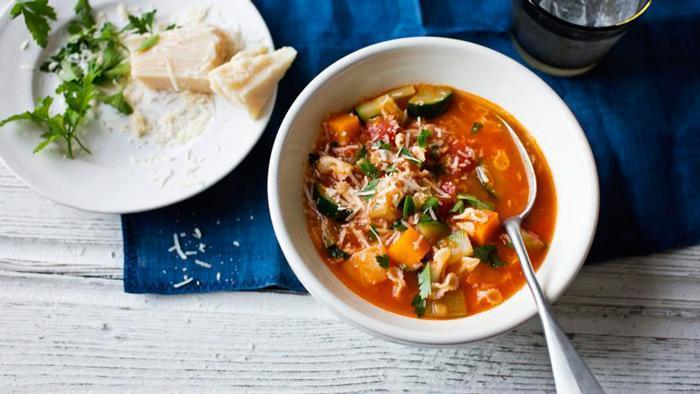 طرز تهیه سوپ مینسترون؛ سوپ ایتالیایی خوشمزه و متفاوت