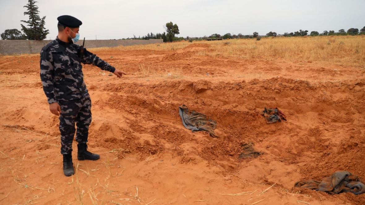 خبرنگاران کشف یک گور دسته جمعی در دوران حکومت پیشین سودان