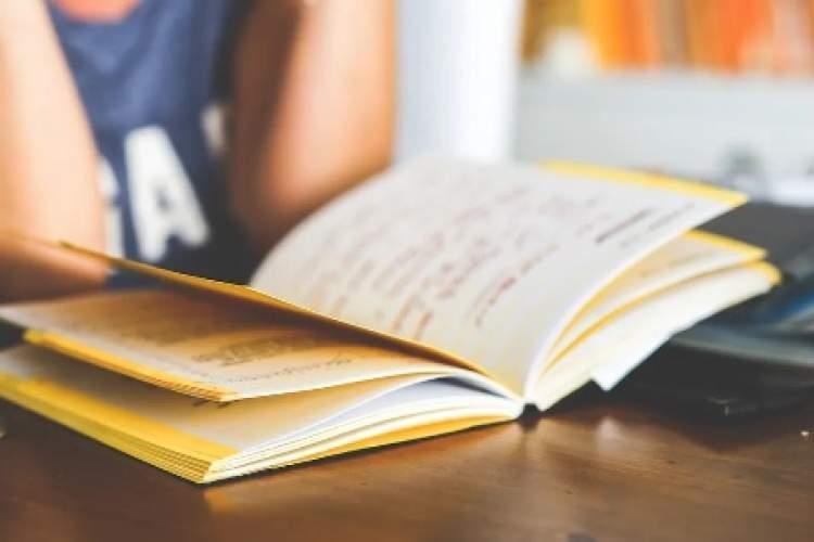 راه حل عملی برای مطالعه مداوم در طول عمر، خوره های کتاب کرونا و پساکرونا
