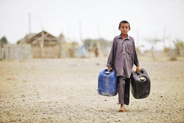برنامه دولت برای شیرین کردن آب دریا در 100 کیلومتر از جنوب ایران ، مشکل آب در 17 استان حل می گردد؟