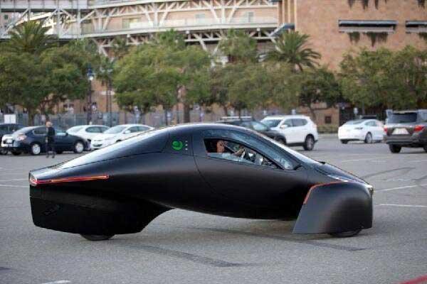 این خودروی برقی احتیاج به شارژ ندارد!