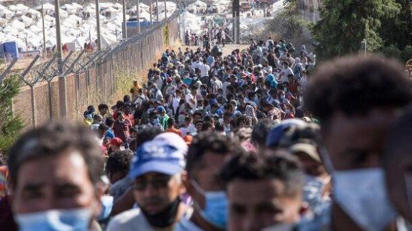 خبرنگاران پناهجویانی که در مرز اتحادیه اروپا با مرگ می جنگند