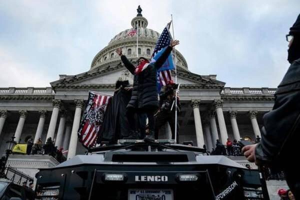 دو تن از مقامات بلندپایه کاخ سفید از مقام خود استعفا دادند