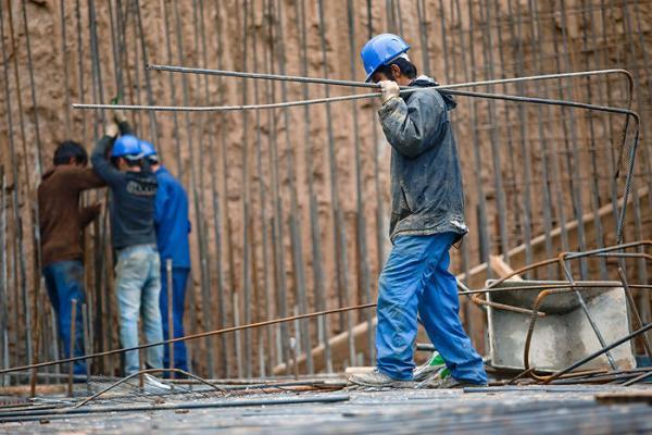 عیدی امسال کارگران بین 3.8 تا 5.7 میلیون تومان است