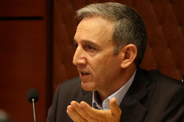 ماکنعلی: ستاد تنظیم بازار باید دلیل گرانی تخم مرغ را بگوید