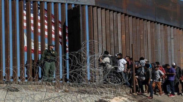 افزایش نیرو های گشت مرزی آمریکا برای جلوگیری از ورود مهاجران