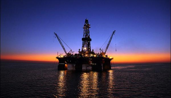 محدودیت های کرونا نفت را ارزان کرد ، بی تاثیری اختلالات کانال سوئز در قیمت نفت