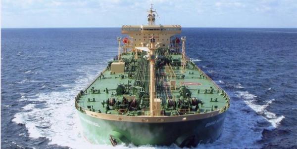 ادعای خلع پرچم دو نفتکش به خاطر حمل نفت ایران