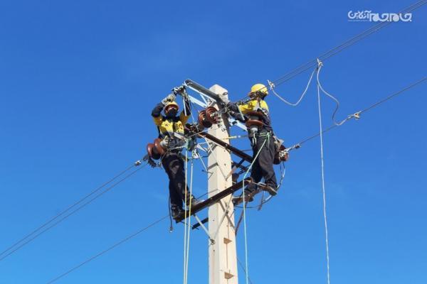 طرح جهادی بهسازی شبکه توزیع برق در 100 روستای استان سمنان اجرا می گردد
