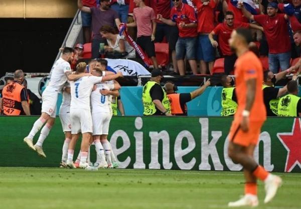 یورو 2020، اولین شگفتی جام با حذف هلند به وسیله چک، سندرم دست بی قرار لاله ها را پرپر کرد!